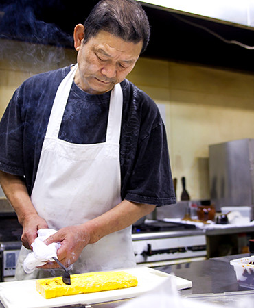 Our chef cooks each dishes carefully.
