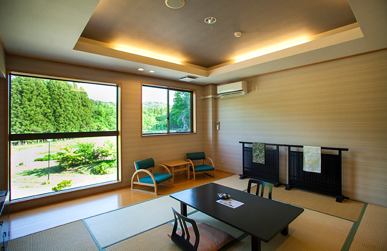 Japanese rooms with tatami mat have the distinctive warmth of natural materials.